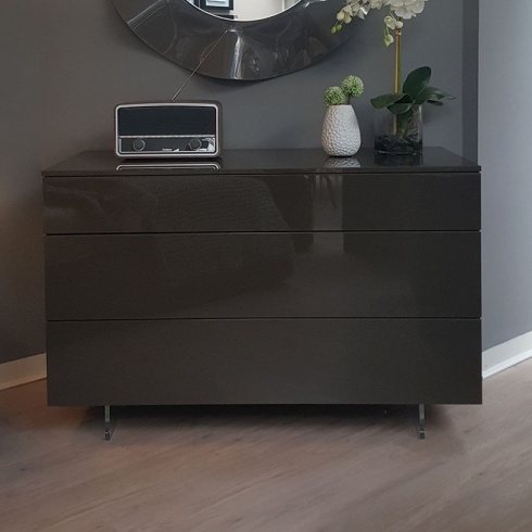 Ex-Display: Bond Chest of Drawers with Acrylic Feet